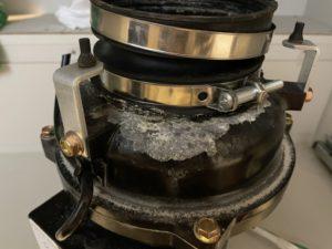 安永製ディスポーザーの接続部